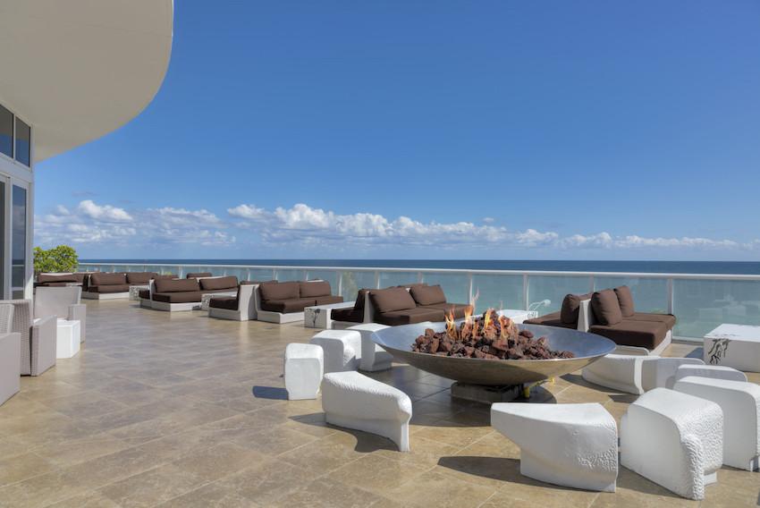 W Fort Lauderdale Outdoor Terrace