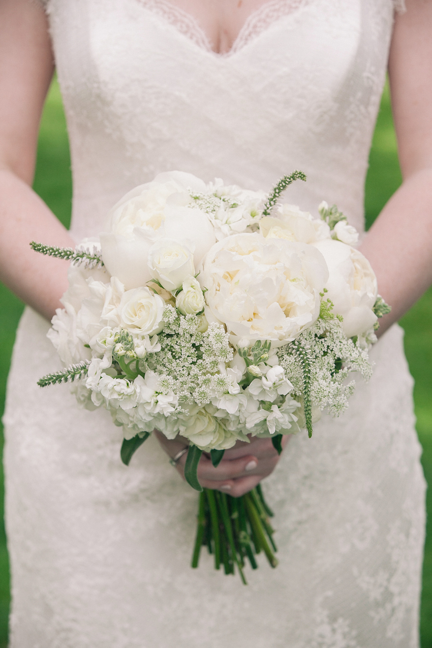 White peony bouquet with baby's breath