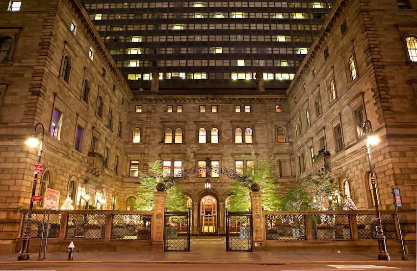 The New York Palace Outdoor Courtyard