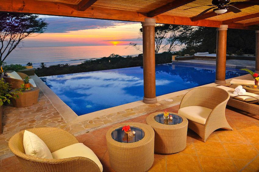 Costa Rica Pool Wedding Venue