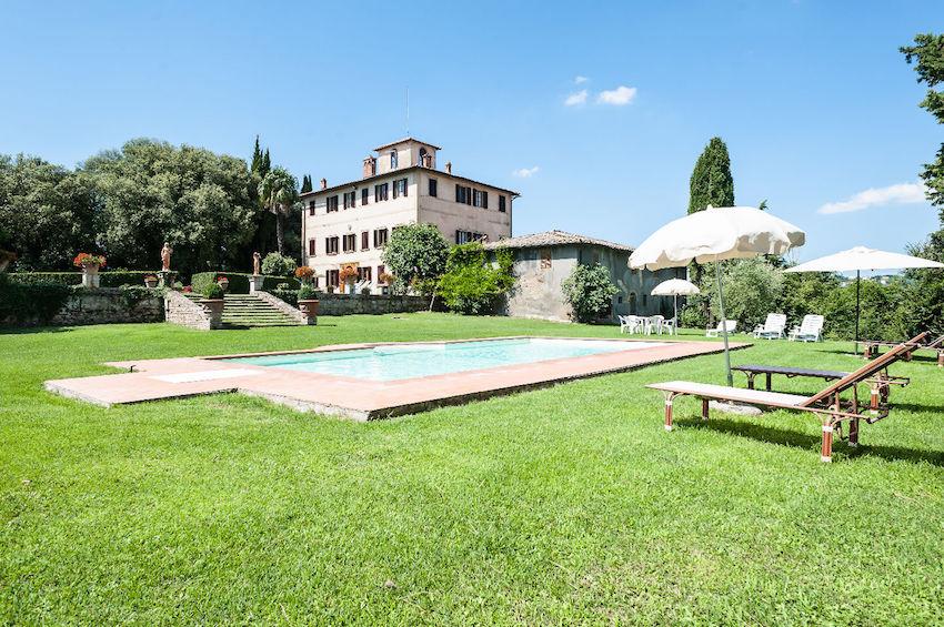 Montepulciano Italy Wedding Pool Venue
