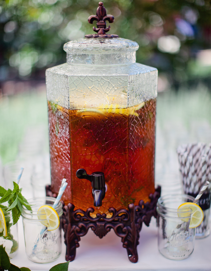 Sweet tea station southern wedding idea