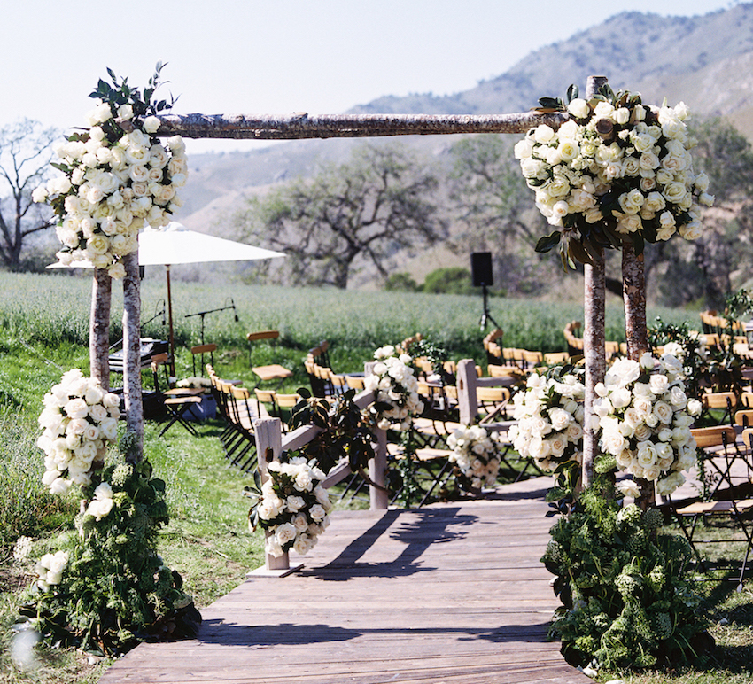 Rustic outdoor wedding ceremony in Bakersfield
