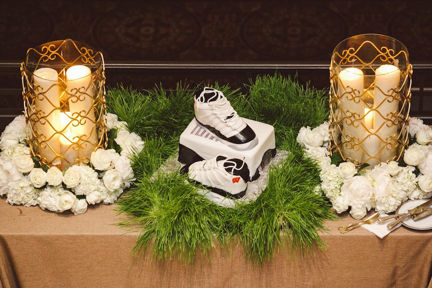 Owen Daniels NFL groom's cake with shoes