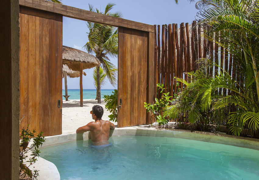Deluxe ocean front plunge pool Mahekal