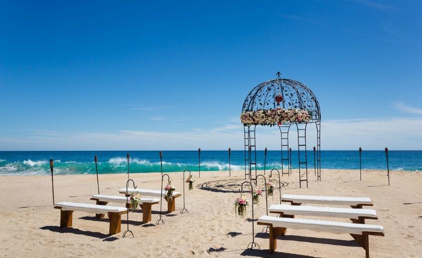 Sheraton Hacienda del Mar beach wedding