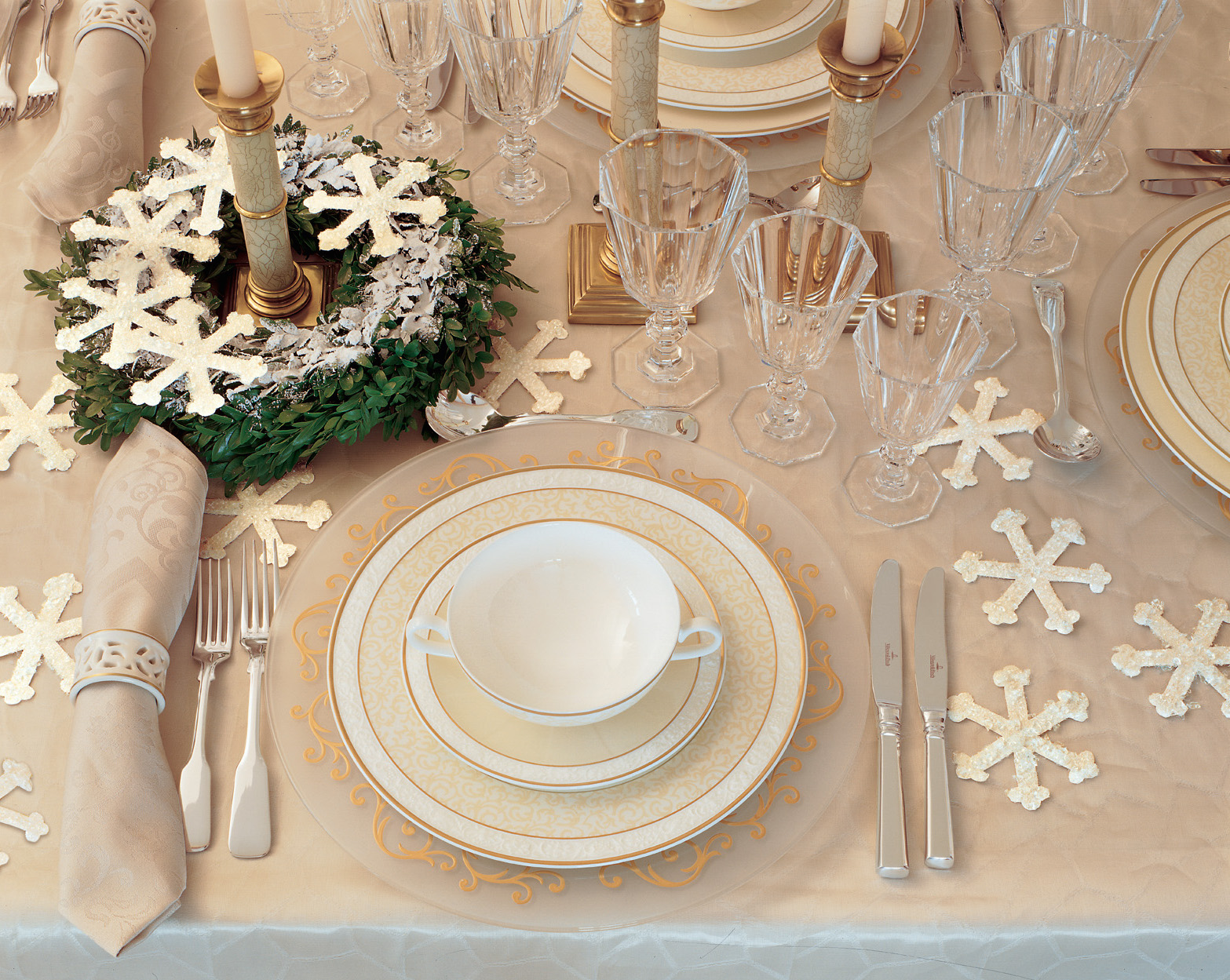 Winter wedding ideas table decorations