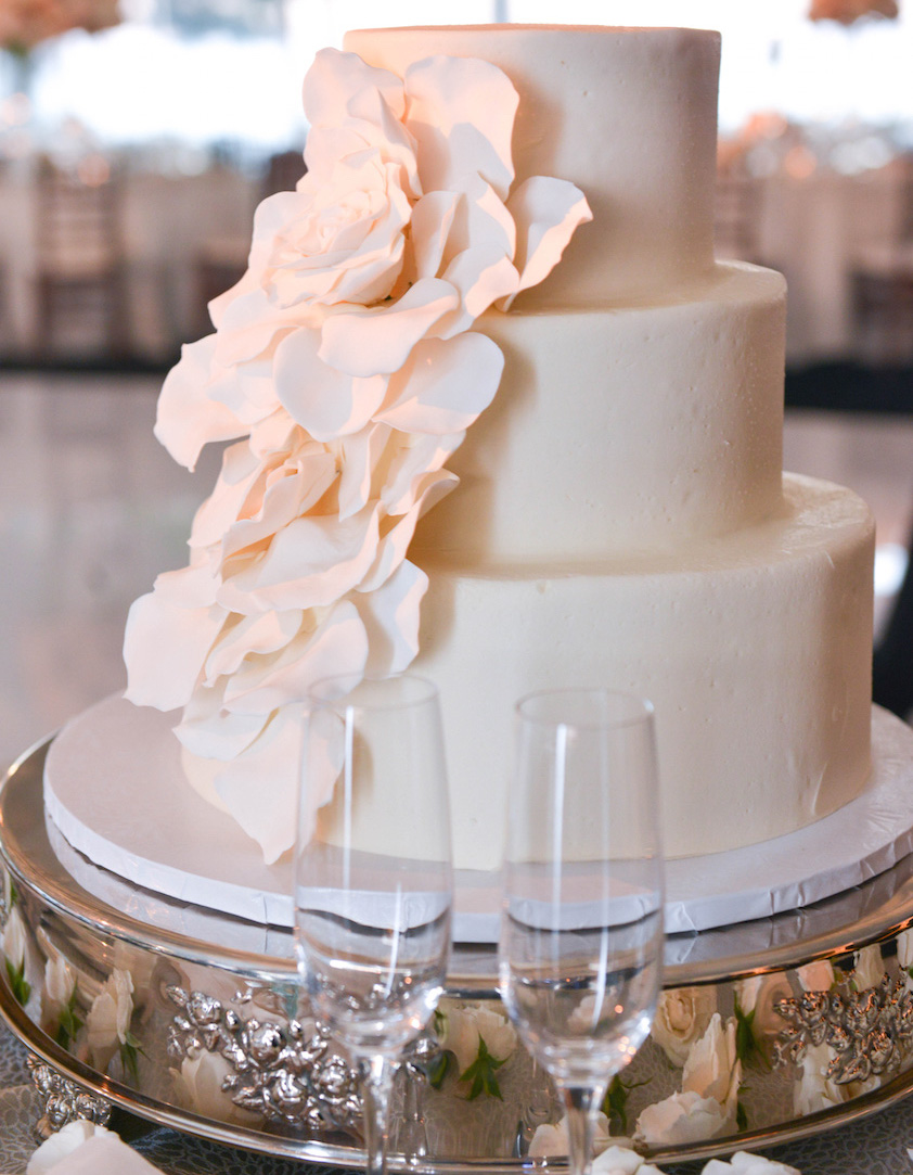 Small Wedding Cakes Everyone Will Love Inside Weddings