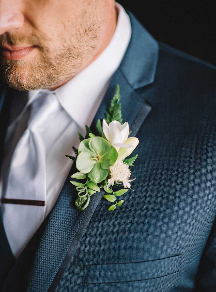 Rustic wedding boutonniere