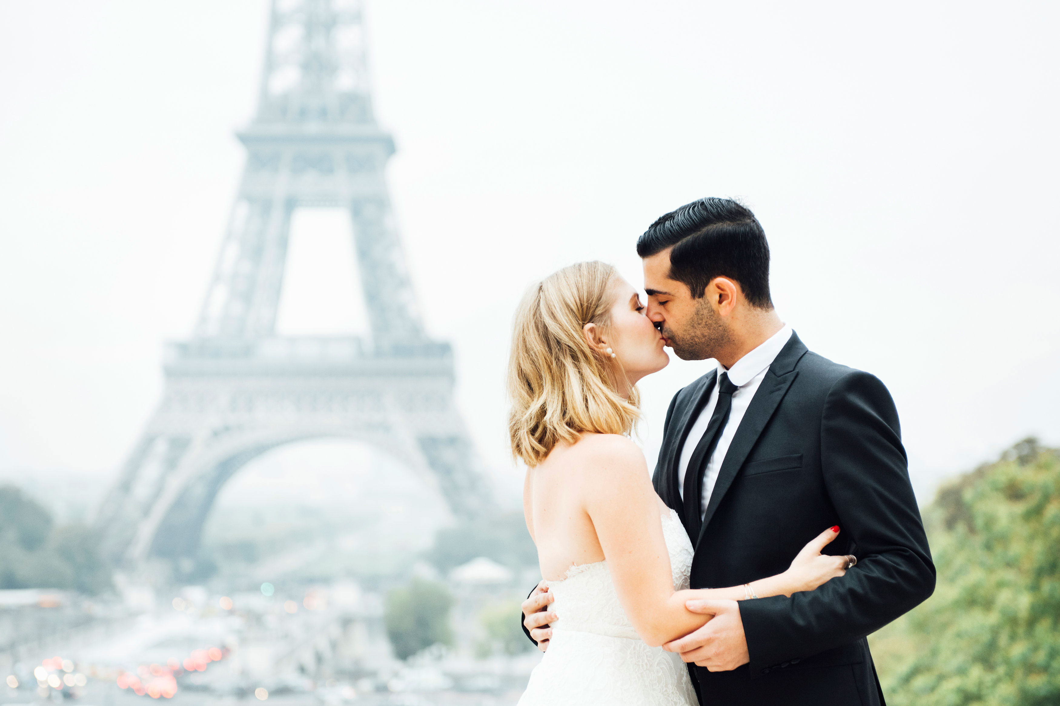 Sabrina Dahan engagement photo Eiffel Tower