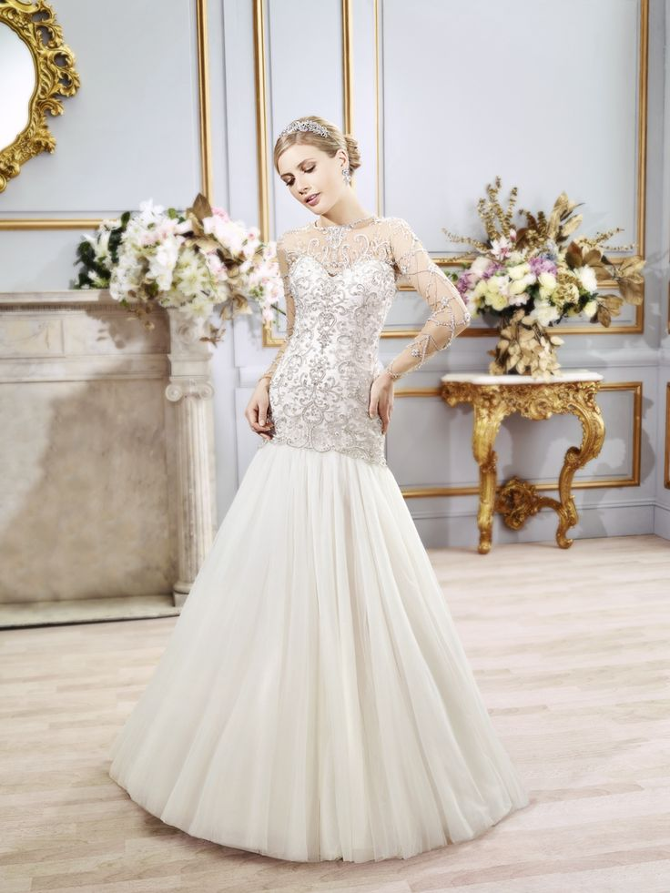 Val Stefani wedding dress with removable sleeves