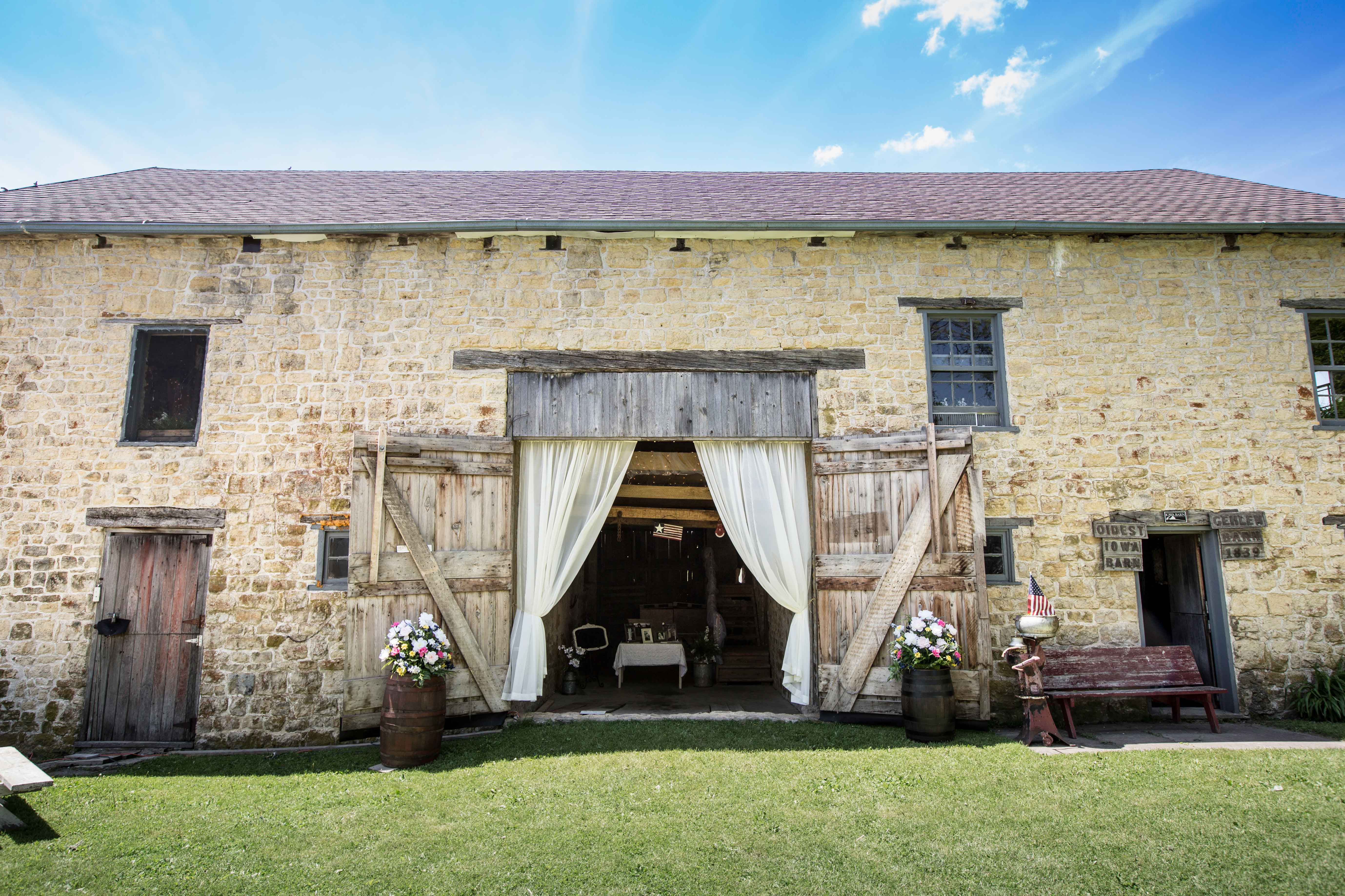 Oldest barn in Iowa wedding venue