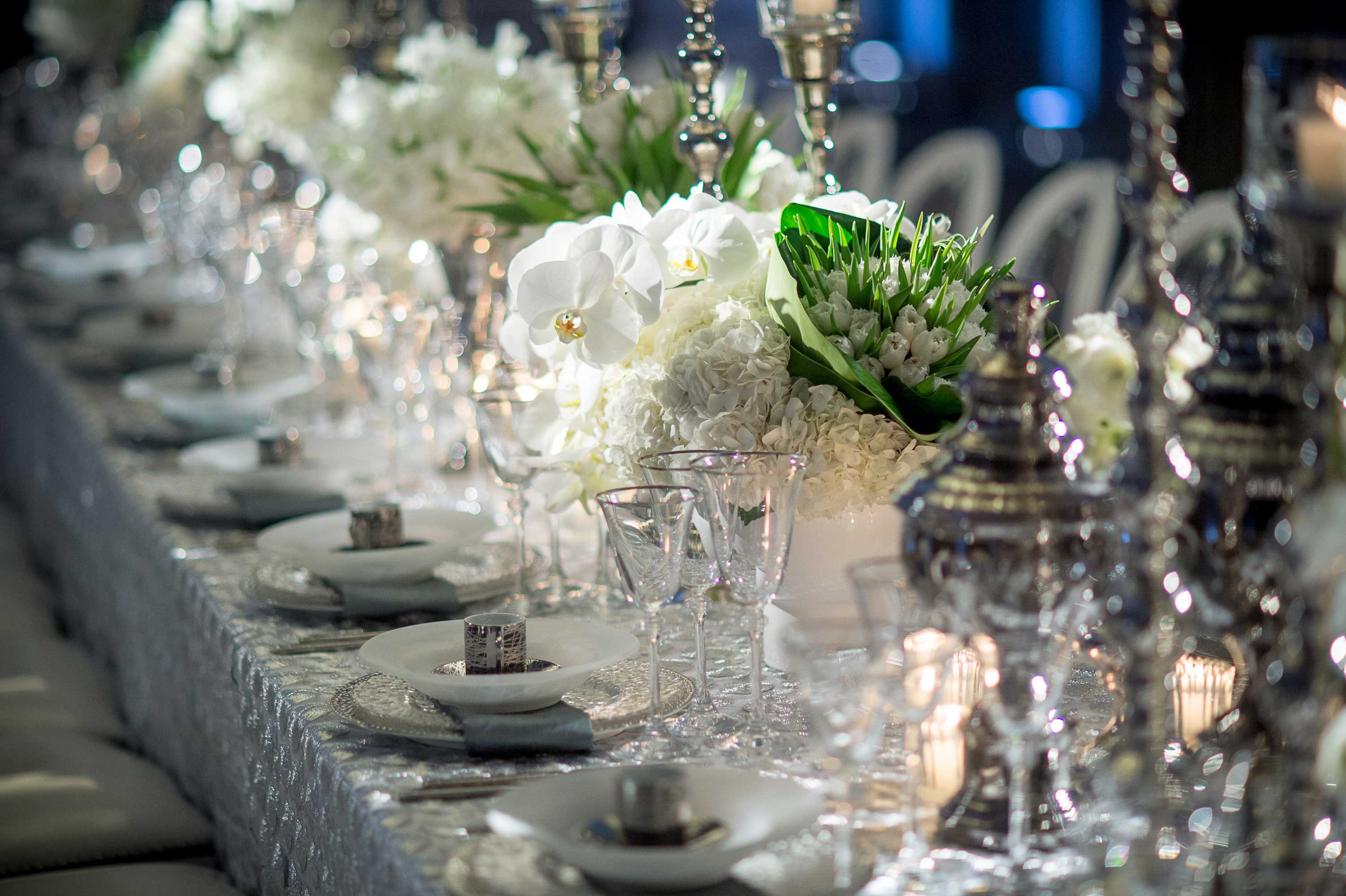 White winter wedding table decoration ideas