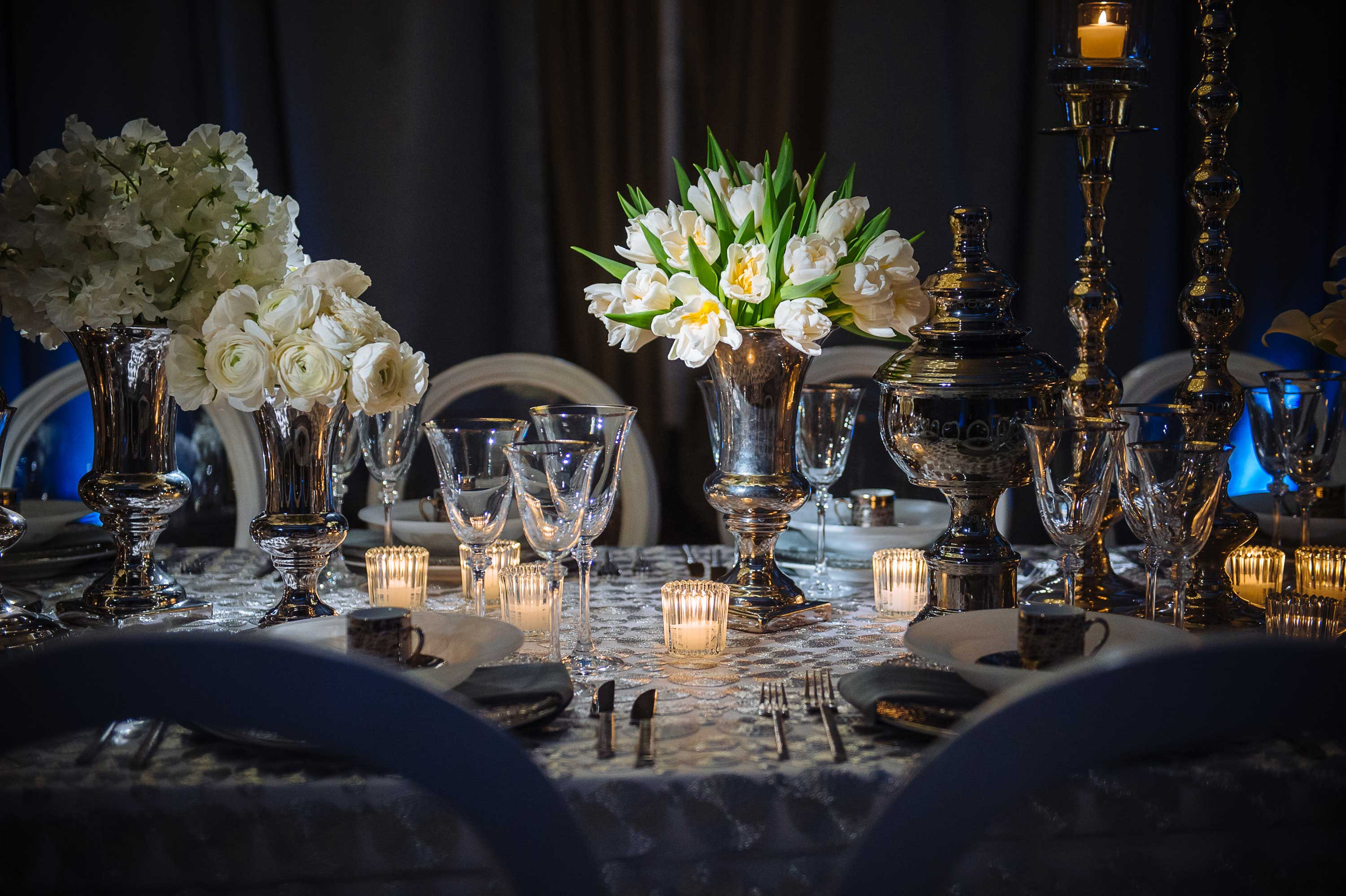 Dark white winter wedding reception idea