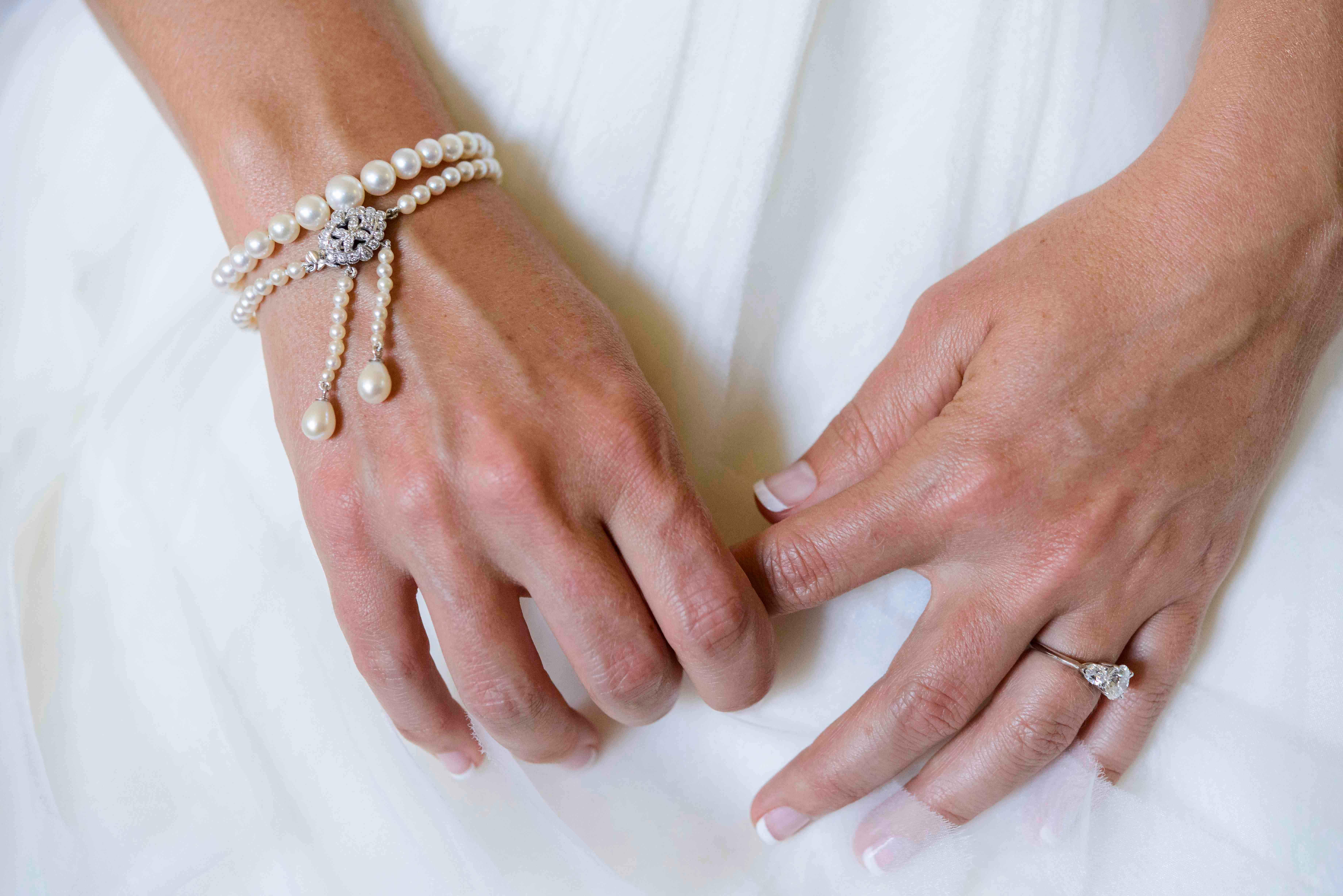 Bride wedding manicure French manicure style