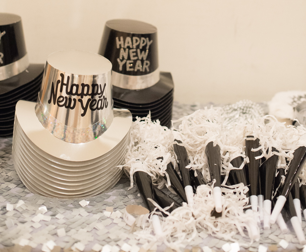 New Year's Eve wedding favors