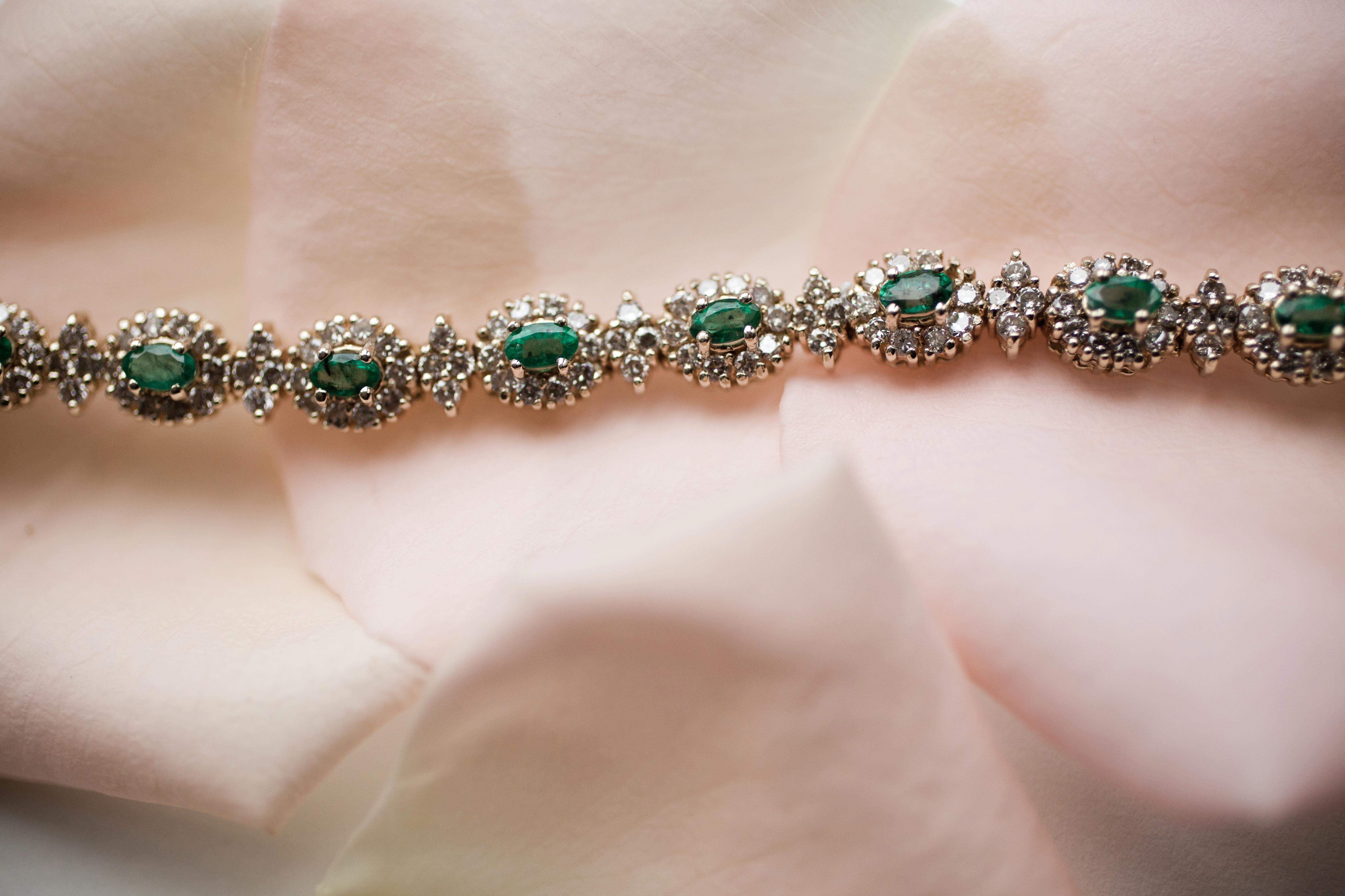 Green bracelet for wedding jewelry
