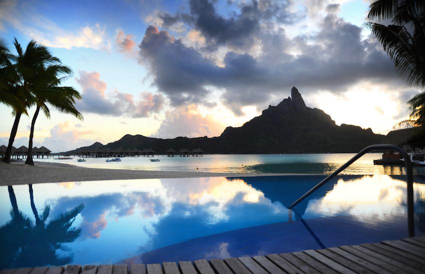 Le Meridien Bora Bora pool