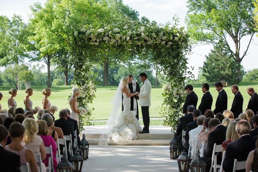 Green outdoor wedding ceremony