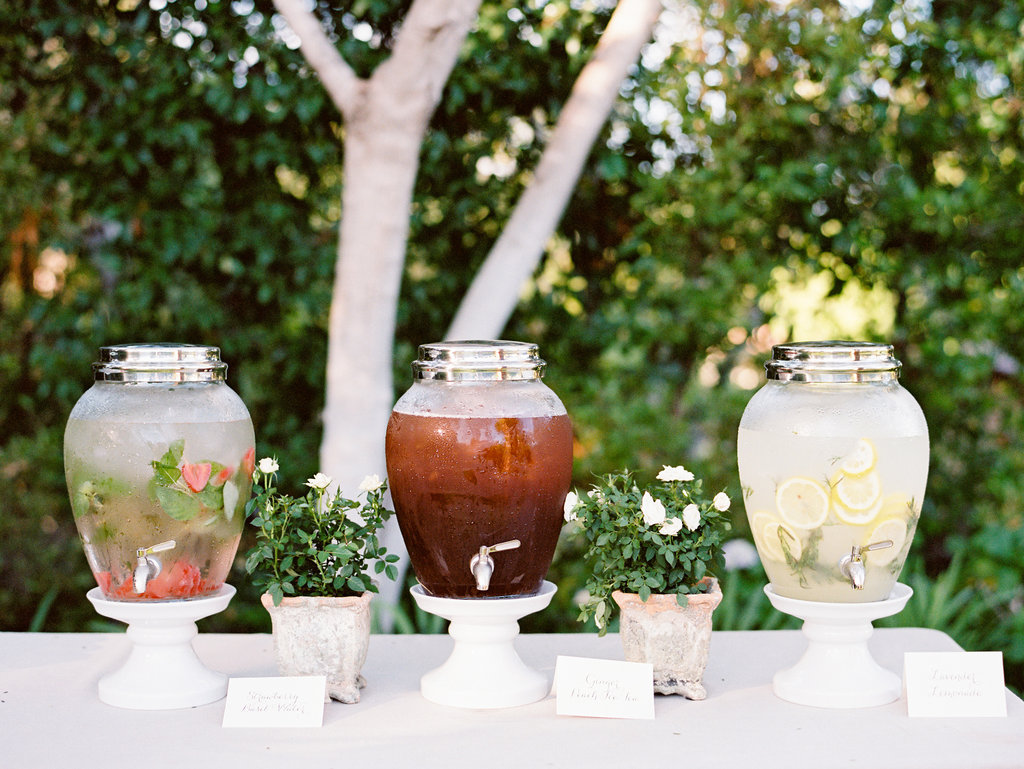 7 Gorgeous Ideas For Wedding Drink Stations