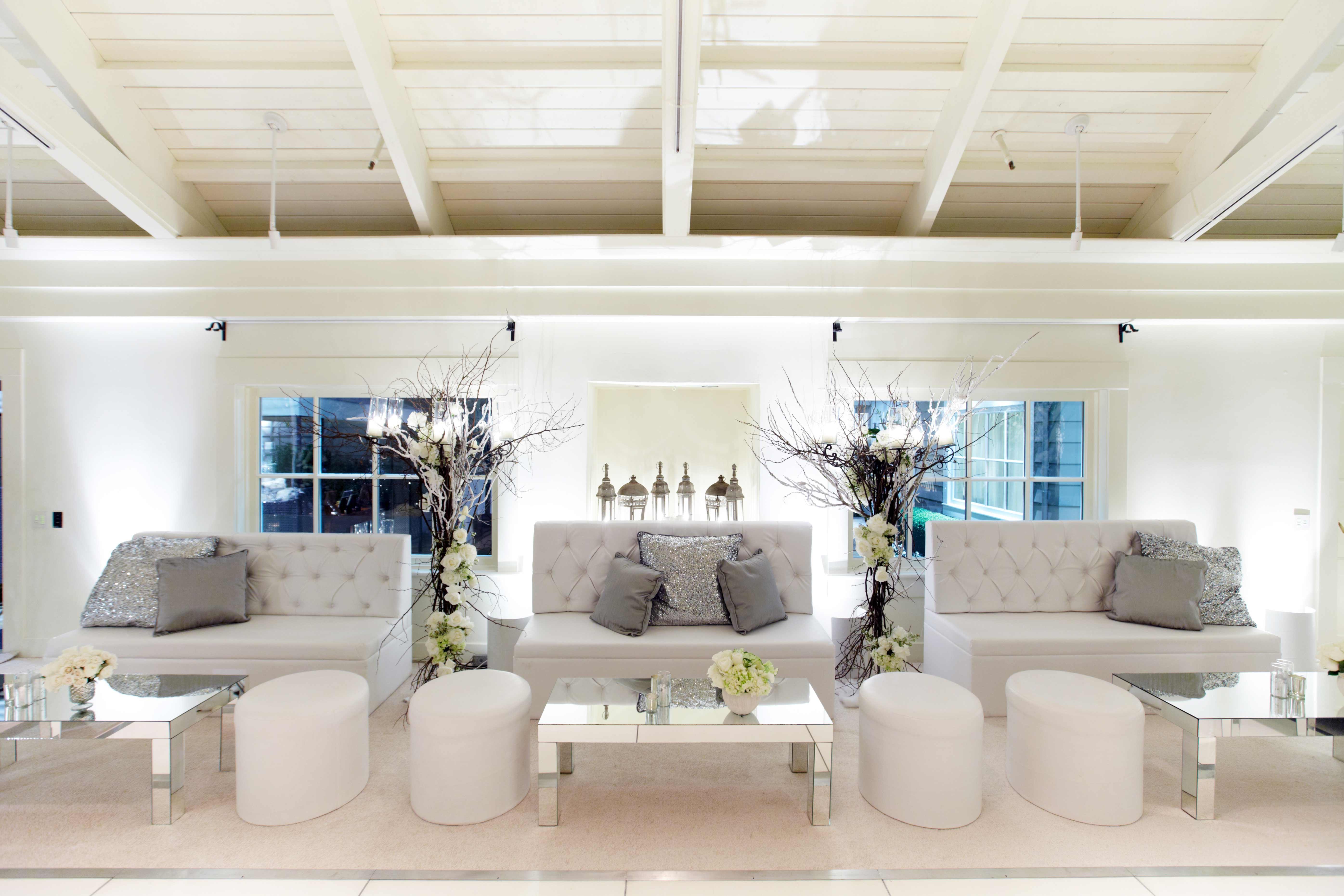 Winter wedding tufted lounge furniture