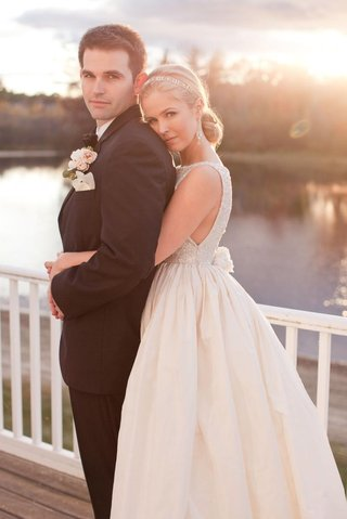 keri-lynn-pratt-with-husband-on-wedding-day-in-nh