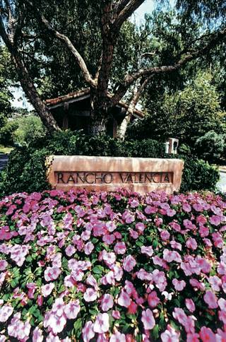 resort-spa-in-san-diego-area-sign
