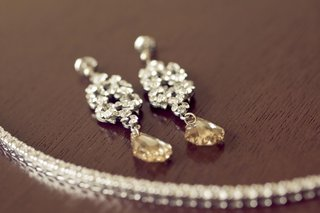 chandelier-dangling-and-drop-style-earring-set