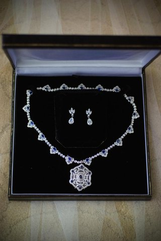 diamond-and-sapphire-necklace-and-earrings