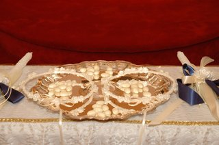 greek-orthodox-wedding-crowns-and-candles-on-altar
