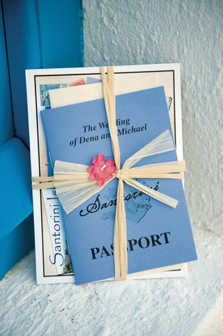 unique-passport-invites-tied-in-raffia