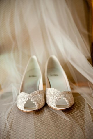 ivory-lace-peep-toe-heels-on-bridal-veil