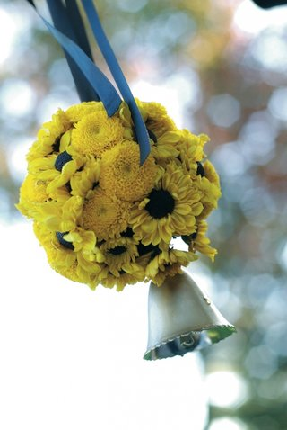 yellow-daisy-and-mum-flower-ball-with-silver-bell