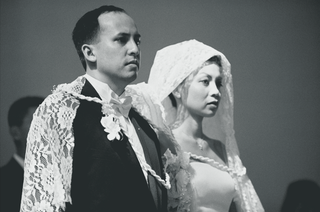 black-and-white-image-of-filipino-wedding-ceremony