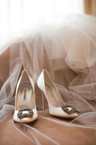 white-manolo-blahnik-wedding-heels