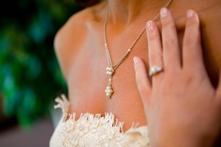 brides-y-drop-necklace-with-pearls