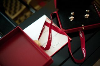brides-note-to-groom-with-cartier-cufflinks