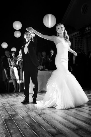 black-and-white-photo-of-paper-lanterns-over-dance-floor