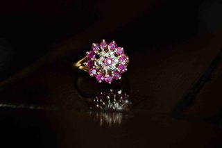diamond-ring-with-pink-sapphires-and-gold-band