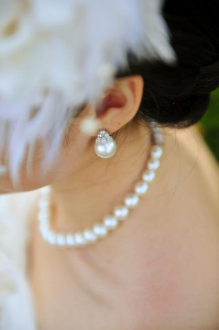 bridal-earrings-with-diamonds-and-pearls