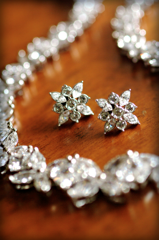 bridal-jewelry-earring-set-and-necklace