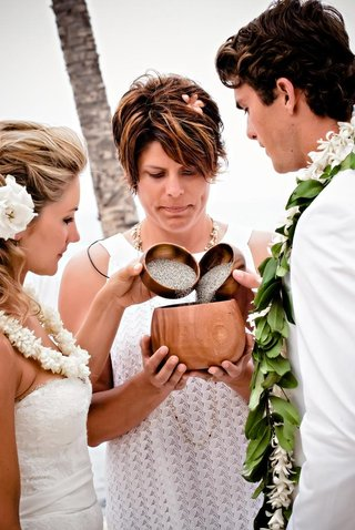 tropical-wedding-leis-and-officiant