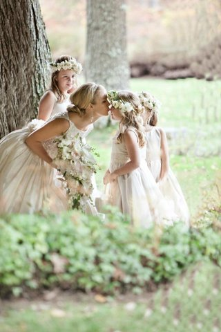 keri-lynn-pratt-kisses-flower-girls-nose-in-forest