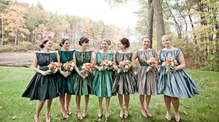 bridesmaids-in-vintage-style-dresses-in-different-colors
