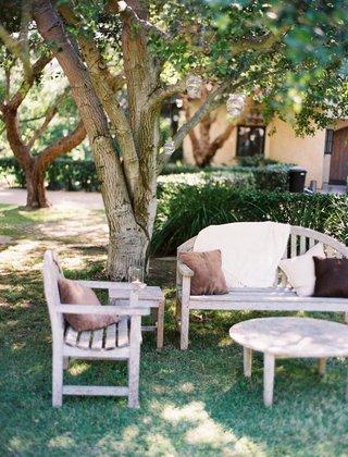 outdoor-wedding-lounge-area