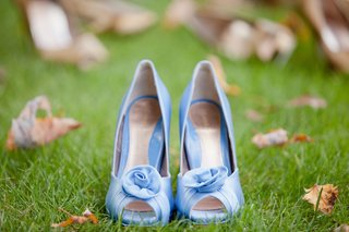peep-toe-pumps-with-rosette-in-light-blue-for-wedding