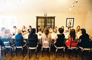 bridal-shower-guests-at-long-table