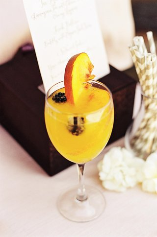 peach-bellini-cocktail-with-fresh-fruit