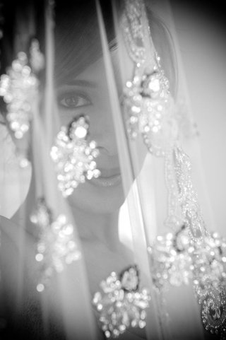 black-and-white-photo-of-indian-bride-and-beaded-veil