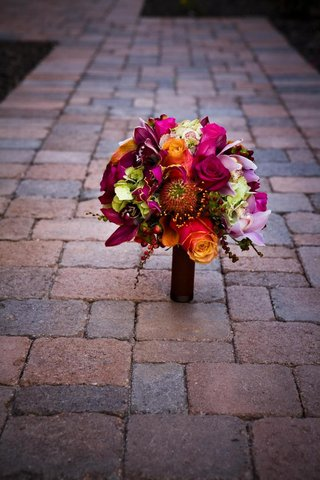 bright-color-bouquet-with-pink-and-orange-roses